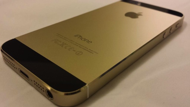 iPhone 5s Genuine Black Gold02