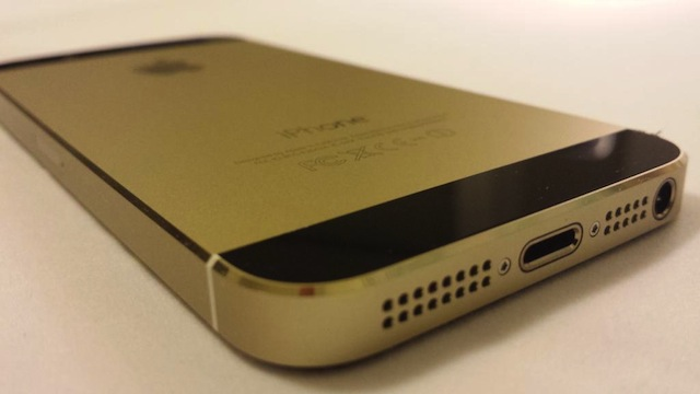 iPhone 5s Genuine Black Gold05